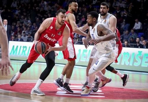 Олимпиакос не выйдет на матч чемпионата Греции с Панатинаикосом