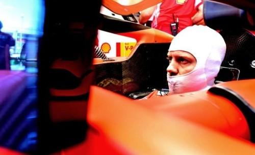 В Феррари не знают, почему провалили гонку в Австралии