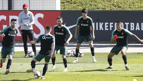 Нападающий сборной Португалии заболел гриппом