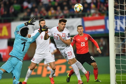Группа G. Гол Пёнтека принес Польше победу над Австрией