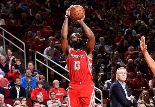 НБА. 61 очко Хардена помогло Хьюстону обыграть Сан-Антонио
