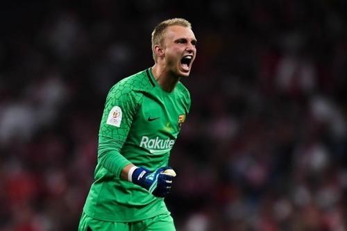 Силлессен не покинет Барселону летом