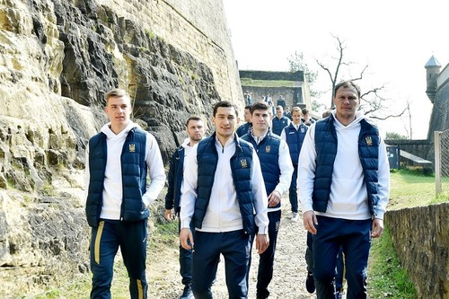 ФОТО ДНЯ. Сборная Украины на прогулке в Люксембурге