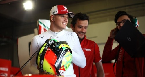 Мик Шумахер примет участие в тестах Ф-1 за Феррари в Бахрейне