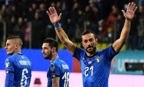 Група J. Італія забила 6 голів, нічия Боснії і Греції