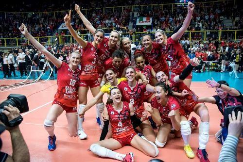 Женский Кубок ЕКВ также выиграла итальянская команда