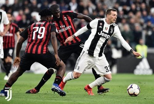 Ювентус на своем поле одержал волевую победу над Миланом