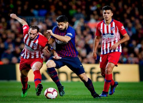 Барселона в большинстве вырвала победу у Атлетико
