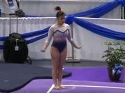 ВИДЕО. Американская гимнастка сломала две ноги на приземлении