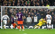 Тоттенхэм — Манчестер Сити. Агуэро не забил пенальти