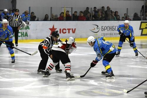 ХК Донбасс выиграл 4-й матч финала УХЛ против херсонского Днепра