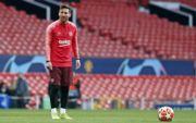 Манчестер Юнайтед - Барселона. Смоллинг разбил нос Месси