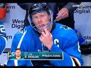 ВИДЕО. Хоккеист забросил шайбу лицом  и потерял несколько зубов