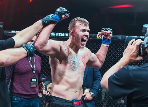 Сергей Спивак подписал контракт с UFC