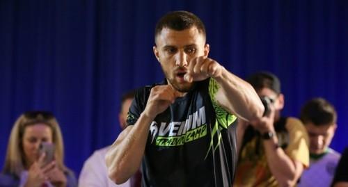 Ломаченко відпрацював на відкритому тренуванні перед боєм з Кроллою