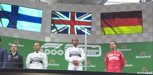 Льюис ХЭМИЛТОН: «Здорово, что в 1000 гонке Ф-1 Мерседес добыл победу»