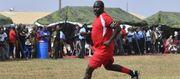 51-летний президент Либерии Джордж Веа сыграл за сборную