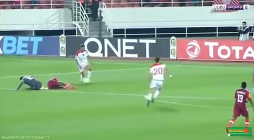 ВИДЕО. Жуткий двойной перелом ноги в матче африканской Лиги чемпионов