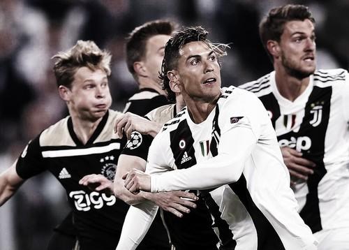 Роналду забил 9 голов в 7 матчах Лиги чемпионов против Аякса