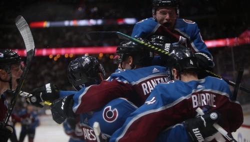 НХЛ. Большой камбэк Колорадо, победы Бостона и Далласа