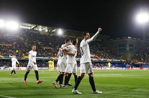 Валенсия уверенно вышла в полуфинал Лиги Европы