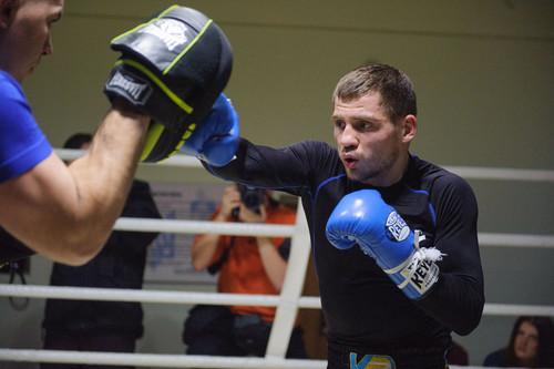 Где смотреть онлайн бой Денис Беринчик – Нихито Аракава