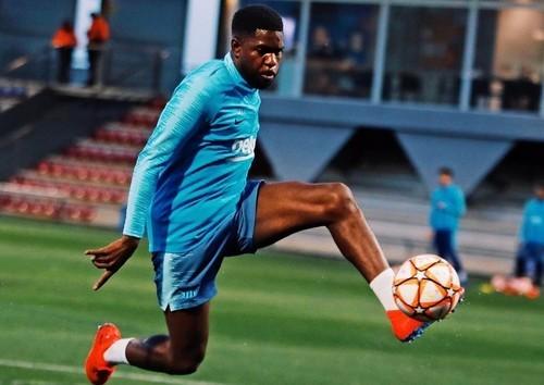 Арсенал не сможет подписать Умтити из-за нехватки денег