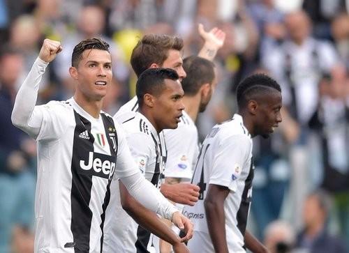 Роналду — первый футболист, ставший чемпионом Англии, Испании и Италии