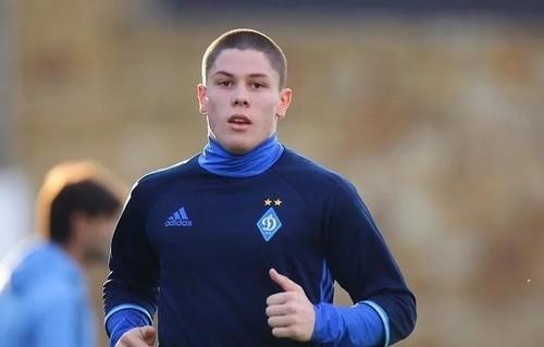 Защитник Динамо Попов травмировался на тренировке