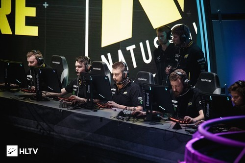 Na'Vi заняли третье место среди самых популярных команд мира