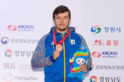 Коростильов здобув першу медаль чемпіонату світу