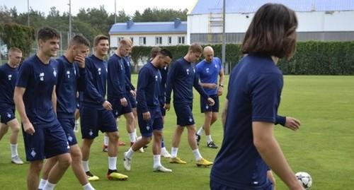 Игроки Динамо тренируются перед возобновлением чемпионата УПЛ