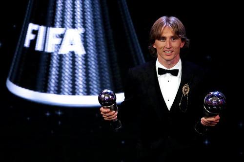 Модрич — лучший игрок года, Усик и Беллью дали пресс-конференцию