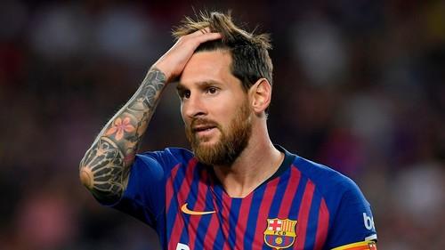 Марадона советует Месси не возвращаться в сборную