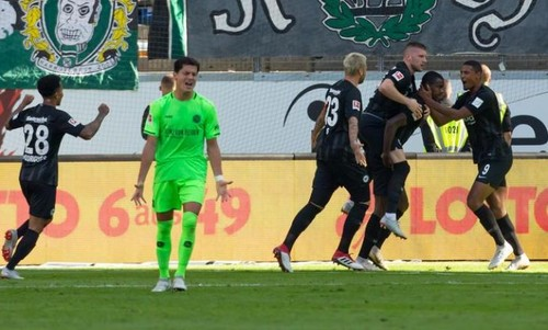Аугсбург — Фрайбург - 4:1. Видео голов и обзор матча