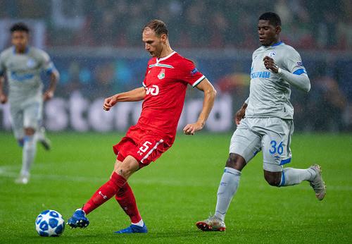 Голевой пас Коноплянки помог Шальке обыграть Локомотив