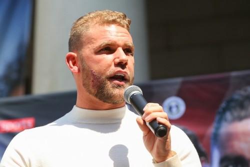 Чемпиона WBO Сондерса лишили лицензии