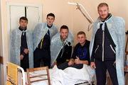 Футболисты Металлиста 1925 посетили военный госпиталь