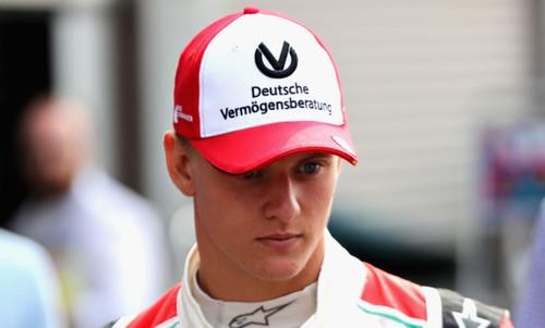 Шумахер завоевал титул в Ф-3