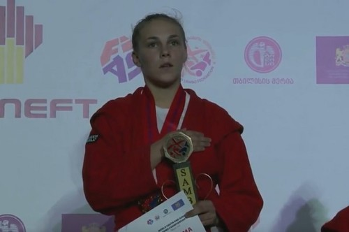 Алла Бегеба выиграла «золото» молодежного чемпионата мира по самбо