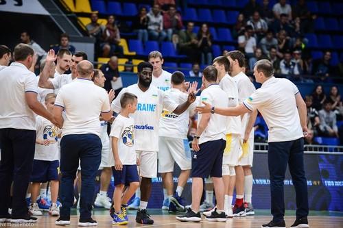 Гравець збірної України відкриє баскетбольну школу в Лос-Анджелесі