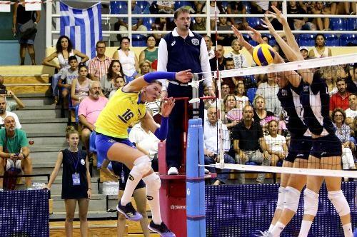 Волейболистки сборной Украины в Греции проиграли в трех партиях