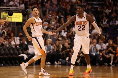 НБА. 34 очка Букера помогают Финиксу обыграть Даллас