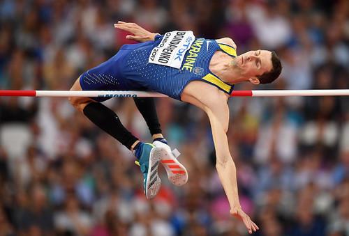 ВИДЕО ДНЯ. Богдан Бондаренко показал, как нужно бегать спиной вперед