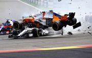 ВИДЕО ДНЯ. Алонсо попал в серьезную аварию на старте Гран-при Бельгии