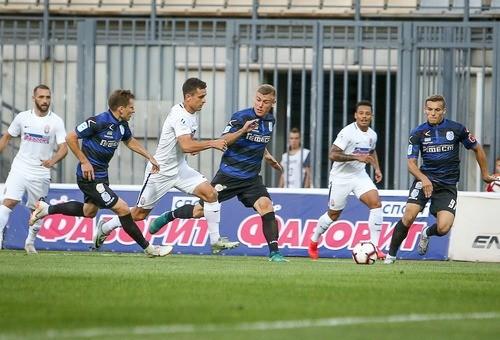 Заря разгромила Черноморец, прервав серию из шести матчей без побед