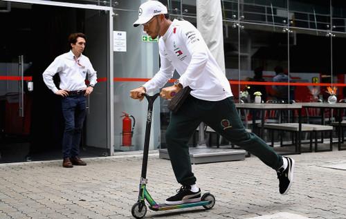 ХЭМИЛТОН: «Уйду из Формулы-1, если будет 25 этапов за сезон»
