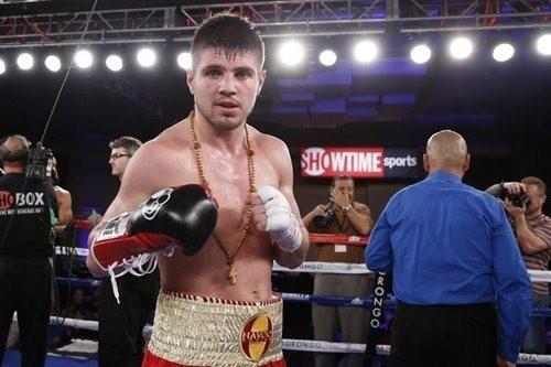 Евгений Хитров одержал победу в поединке с американским боксером