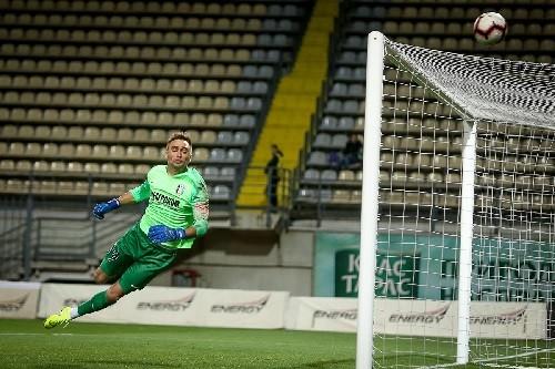 В ворота Панькива не забили 10 пенальти из 26