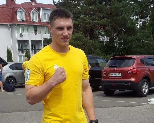 Сиренко и Захожий узнали соперников на вечер бокса в Киеве